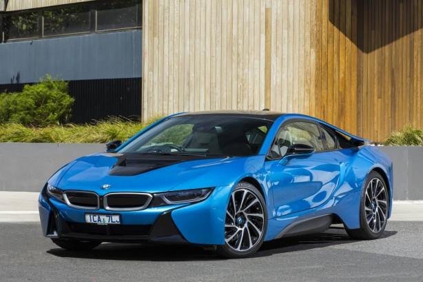 BMW i8 plug-in hybrid front quarter
