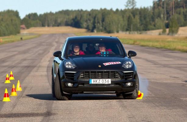 Porsche Macan Diesel S fails Moose Test
