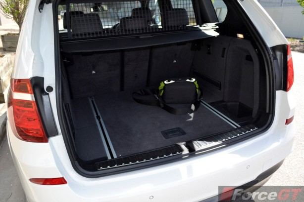 2014 BMW X3 xDrive30d LCI luggage space