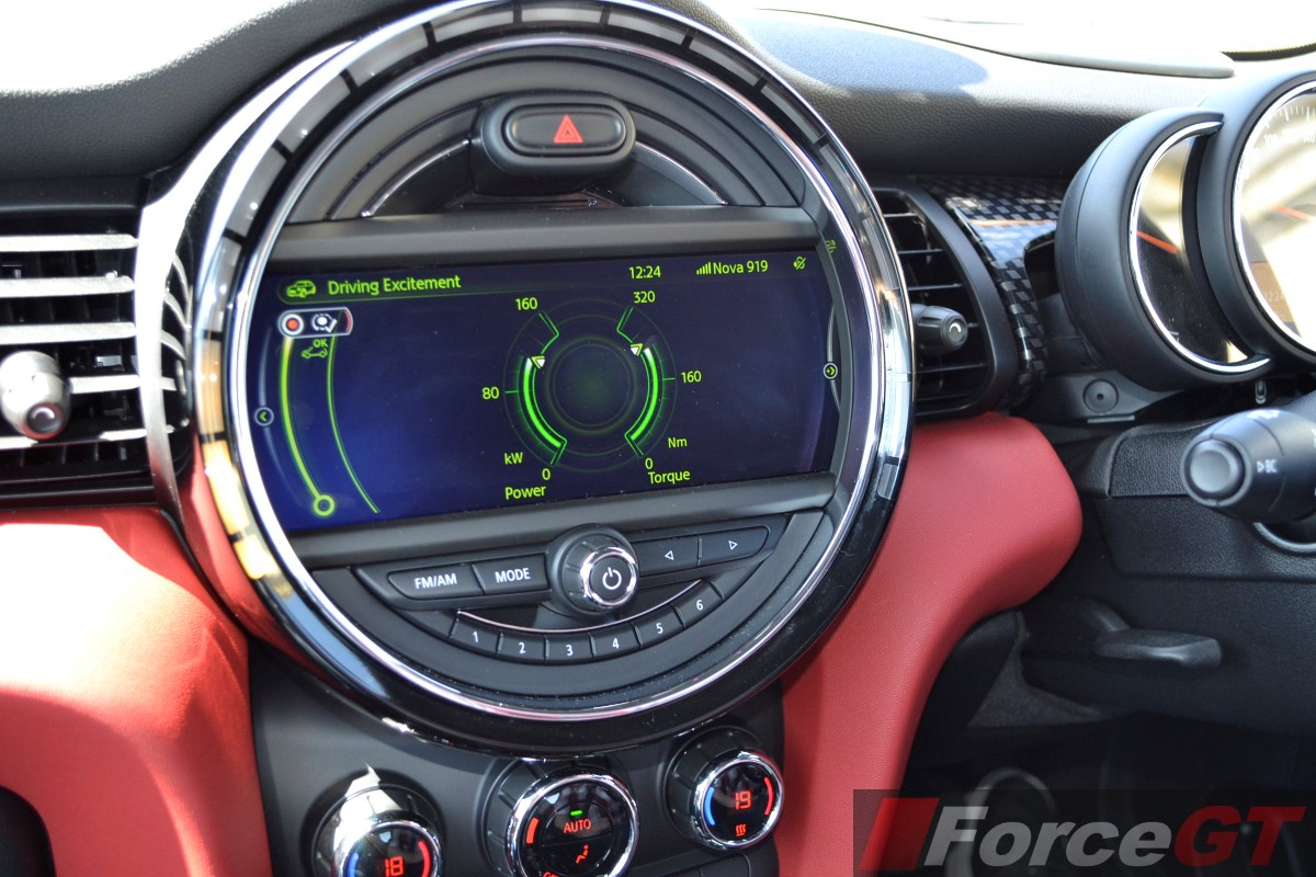 2014 MINI Cooper S LED central display - ForceGT com