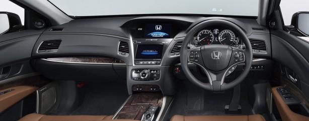 2015 Honda Legend dashboard