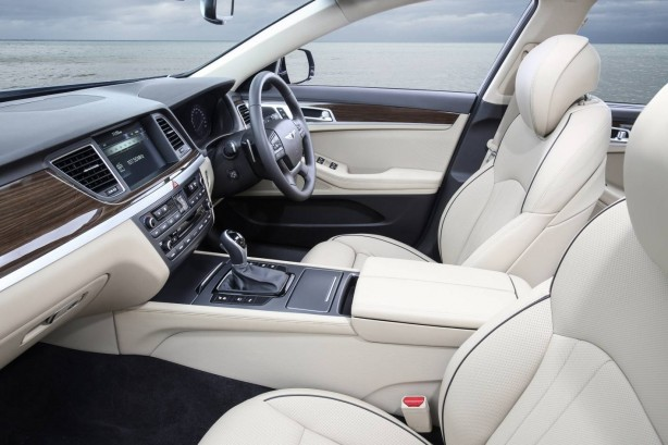 Hyundai Genesis sedan interior