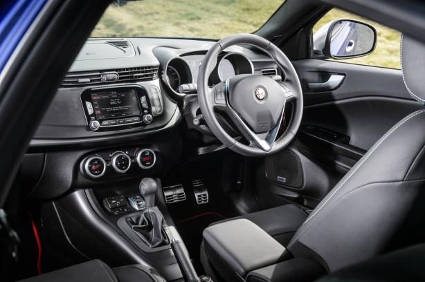 2014 Alfa Romeo Guilietta interior