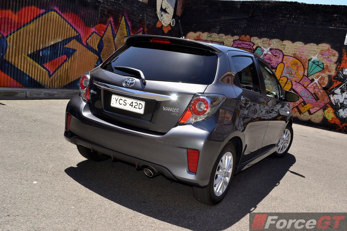 toyota yaris review 2014 toyota yaris hatch. Black Bedroom Furniture Sets. Home Design Ideas