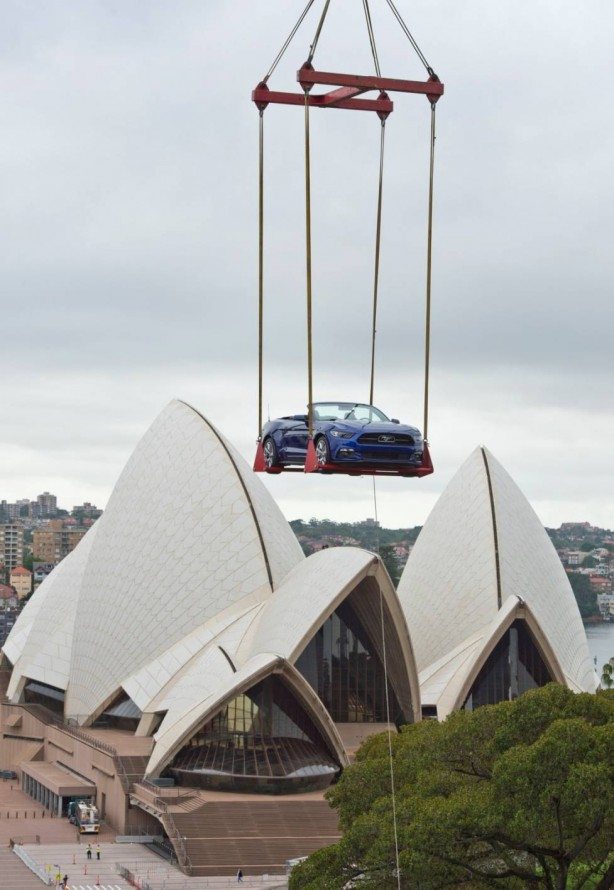 2015-ford-mustang-sydney-new-years-eve-celebration-3
