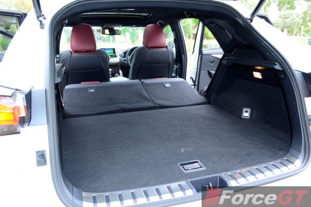 2014 Lexus NX 300h extended luggage compartment