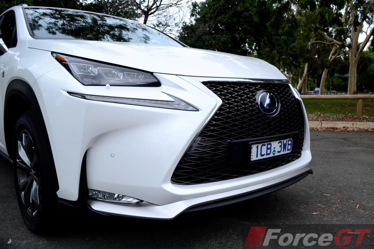 Lexus NX Review: 2014 Lexus NX 300h