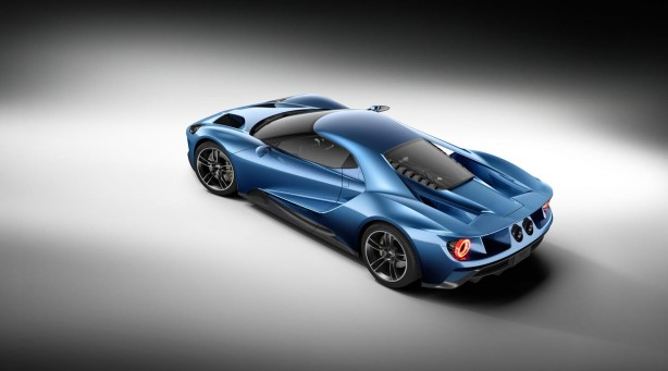 2015 Ford GT side