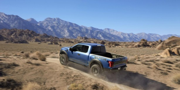 2017 Ford F-150 Raptor rear quarter-1