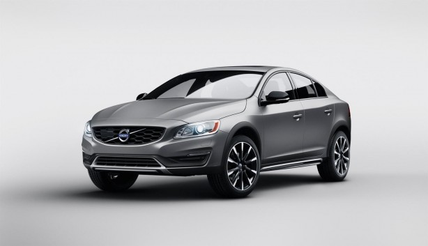 Volvo S60 Cross Country front quarter