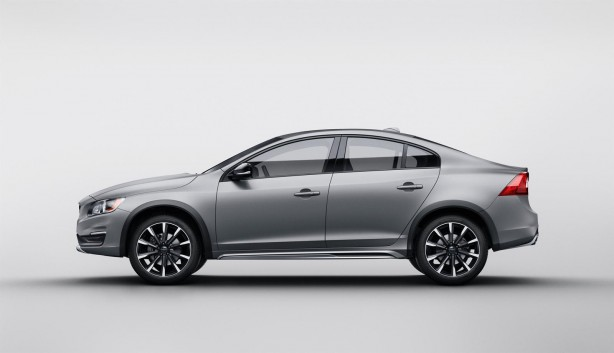 Volvo S60 Cross Country side-1