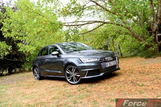 2015 Audi S1 Sportback front quarter