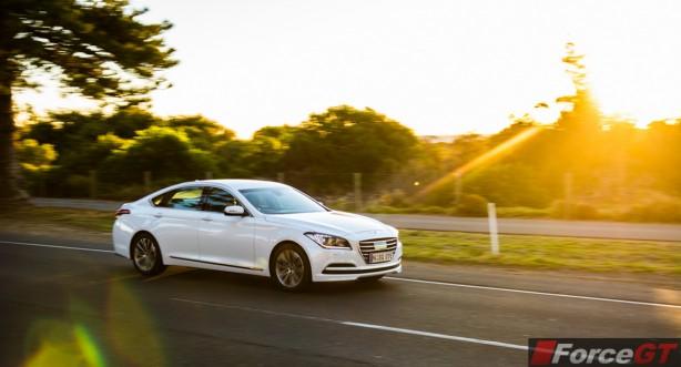 2015 Hyundai Genesis front quarter-1