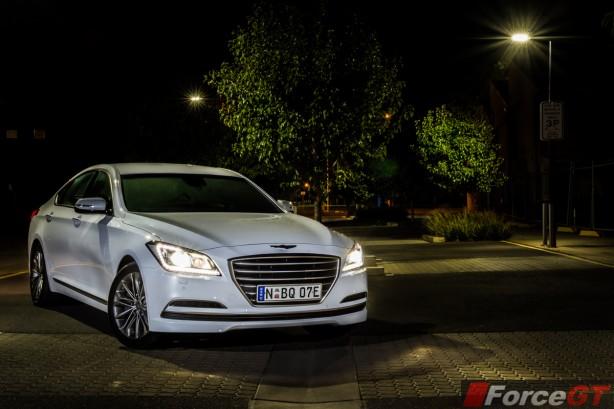 2015 Hyundai Genesis front quarter (2)