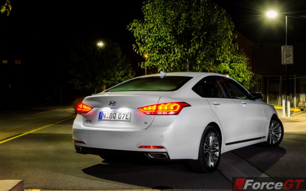 2015 Hyundai Genesis rear quarter