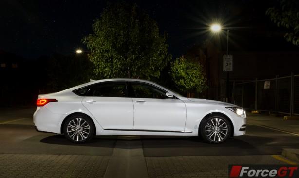 2015 Hyundai Genesis side
