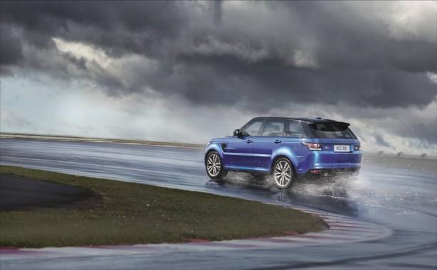 2015 Range Rover Sport SVR rear quarter
