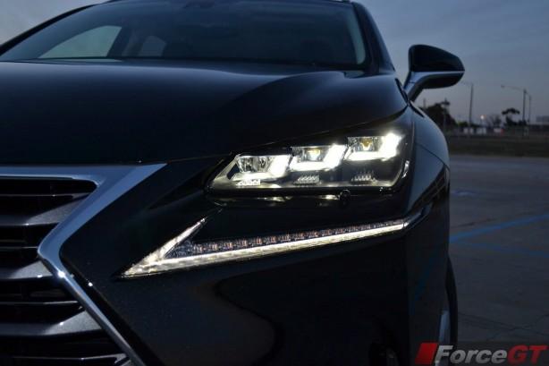 2015-lexus-nx-300h-headlight