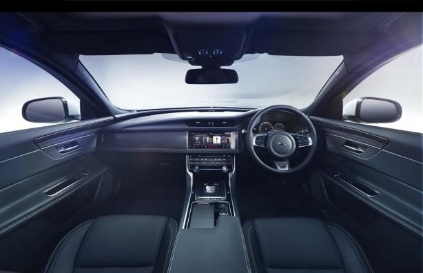 2016-jaguar-xf-interior