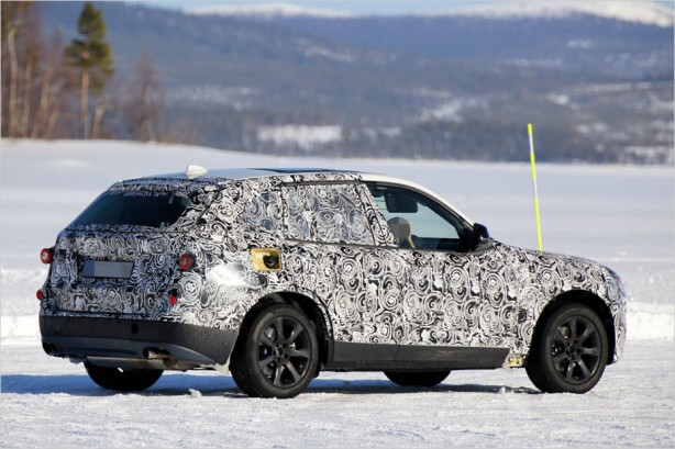 2017-bmw-x3-spy-photo-rear