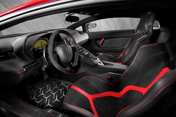 Lamborghini Aventador LP750-4 Superveloce interior