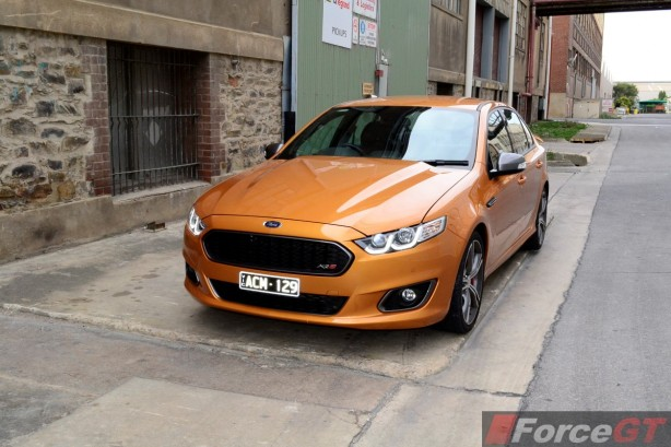 2015 Ford Falcon XR8 front-2