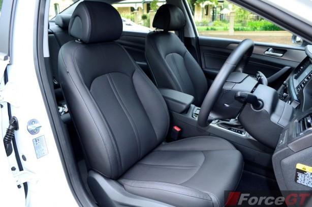 2015 Hyundai Sonata Elite front seats