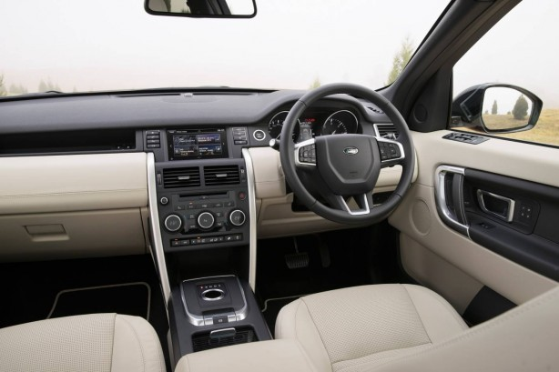 2015 Land Rover Discovery Sport HSE Luxury interior