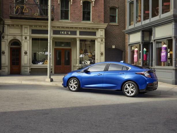 2016 Chevrolet Volt rear quarter