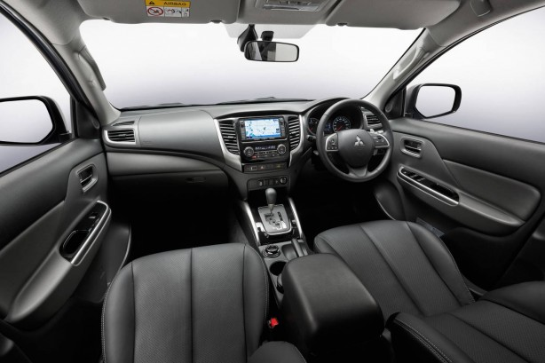 2016 Mitsubishi Triton Exceed interior
