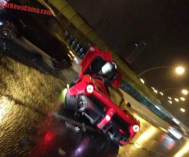 Ferrari LaFerrari crash-4