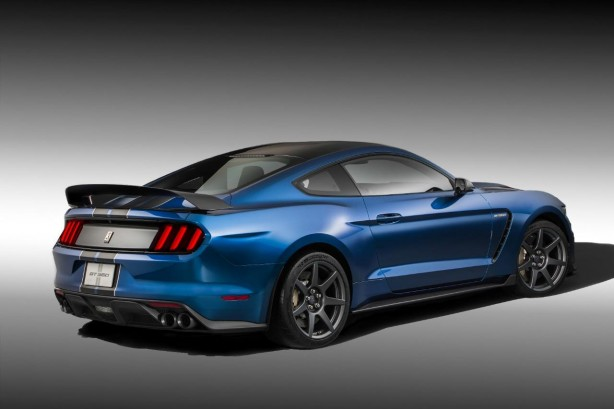 Ford Mustang Shelby GT350R rear quarter