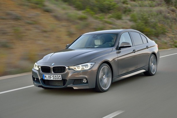 2015 BMW 3 Series Sedan front quarter
