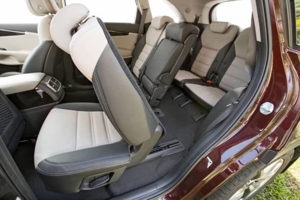 2015 Kia Sorento Platinum seven-seat configuration