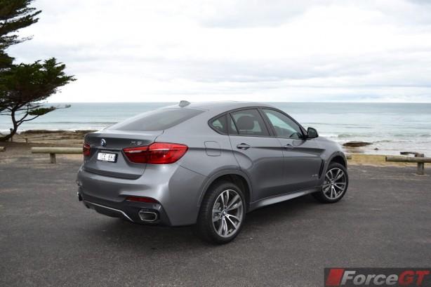 2015-bmw-x6-rear