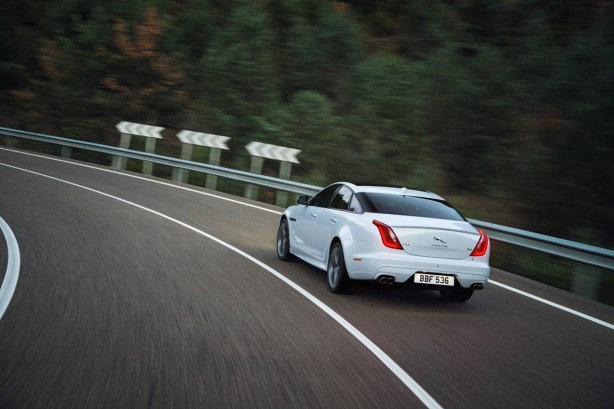 2016-jaguar-xj-facelift-rear