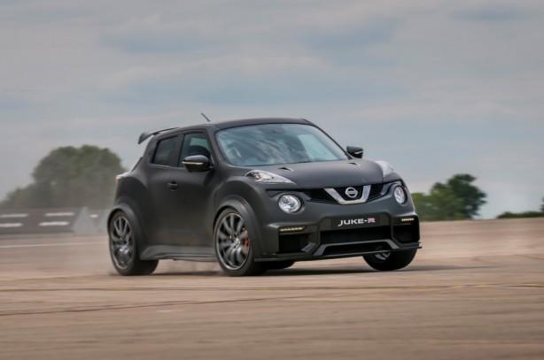 Nissan Juke-R 2.0 concept front quarter-1