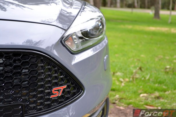 2015 Ford Focus ST grille