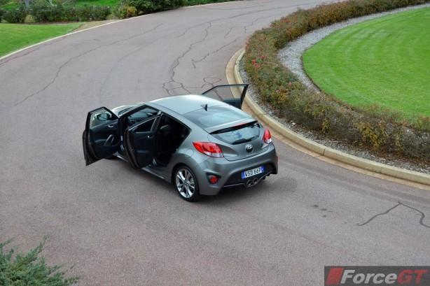 2015 Hyundai Veloster SR matte grey side