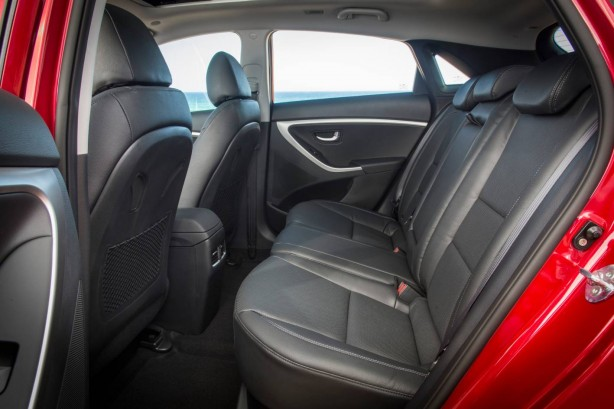 2015 Hyundai i30 rear seat legroom