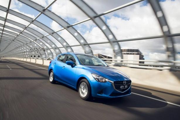 2015 Mazda2 sedan front quarter