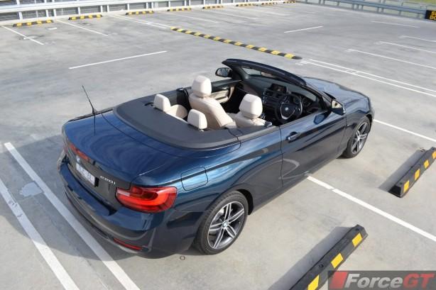 2015-bmw-2-series-convertible-top-down