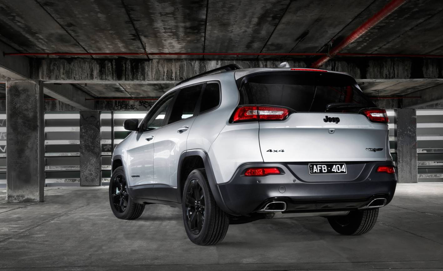 Jeep Launches Cherokee Blackhawk Edition Forcegt Com