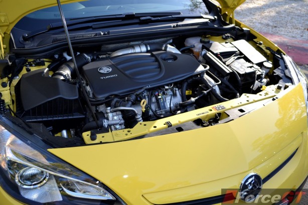 2015 Holden Astra VXR engine