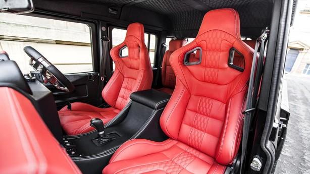 Flying Huntsman 110 6x6 Defender Double Cab seats