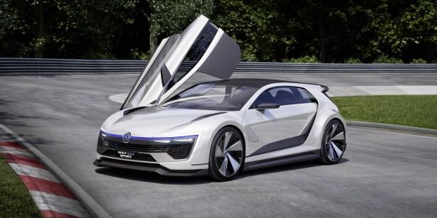 Volkswagen Golf GTE Sport Concept front quarter-2
