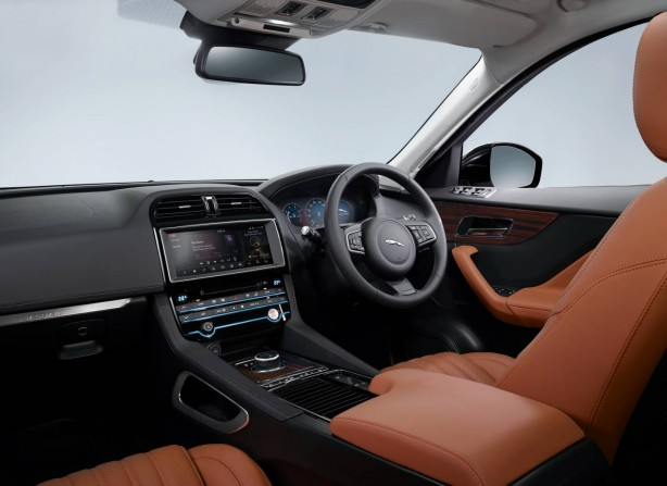 jaguar-f-pace-official-interior