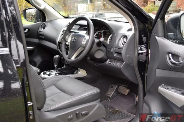 2015 Nissan NP300 Navara dashboard