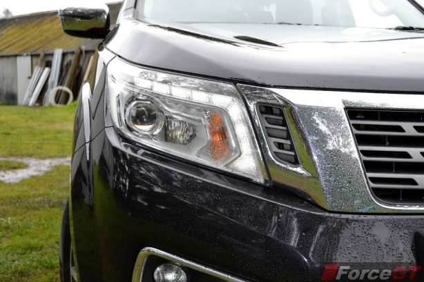 2015 Nissan NP300 Navara headlight