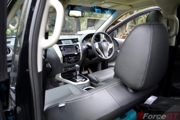 2015 Nissan NP300 Navara interior